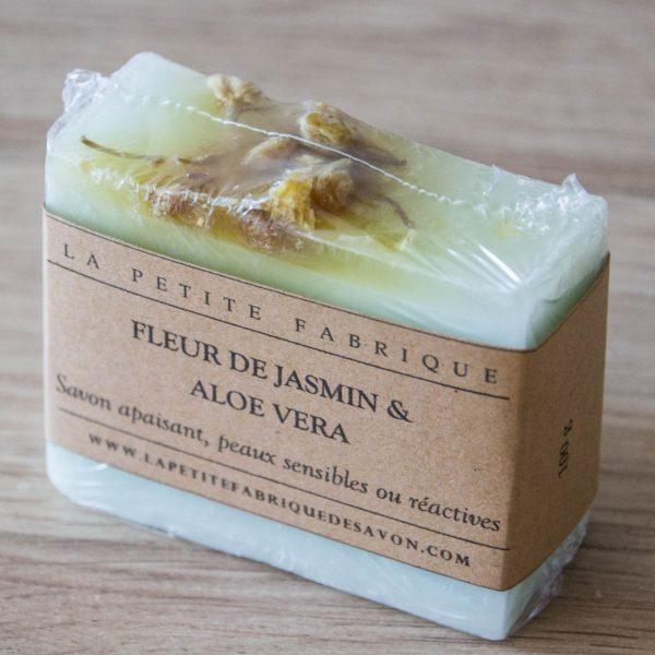 savon-apaisant-jasmin-aloe-vera-peaux-sensibles-ou-irritables (1)
