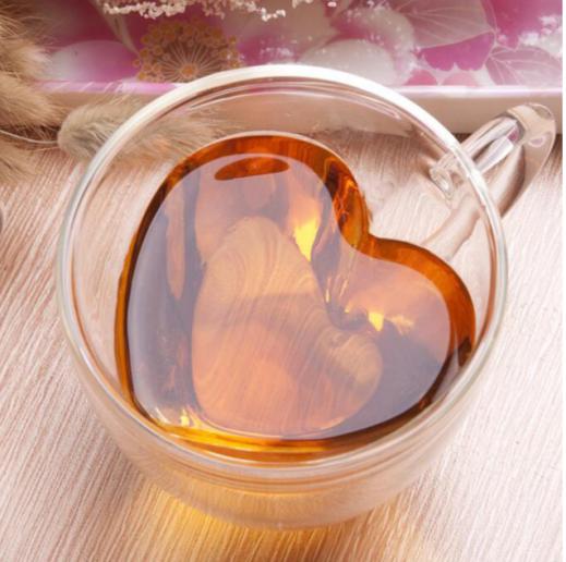 Tasse en verre en forme de cœur